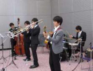 在学生 サークル『 JAZZ PHENOMENA 』による演奏