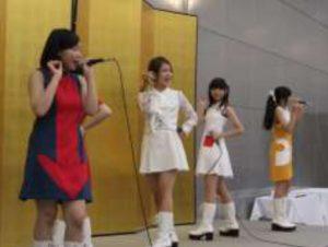豊田ご当地アイドルの『 Star ☆ T 』のステージ
